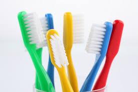 Cómo cuidar tu cepillo de dientes